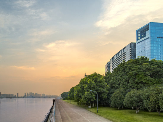 The Azure Qiantang, a Luxury Collection Hotel, Hangzhou