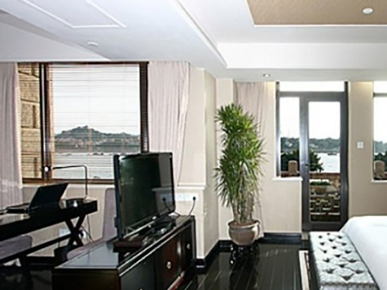 Deluxe Sea-view Standard Room (With balcony)