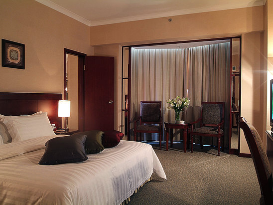 Executive Deluxe Suite( stay 2 night(s) get 1 free)