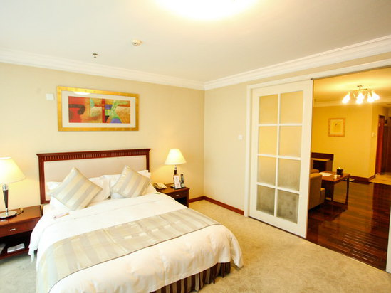 Superior Suite (king bed)