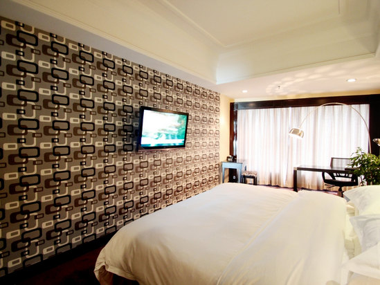 VIP Feature Room